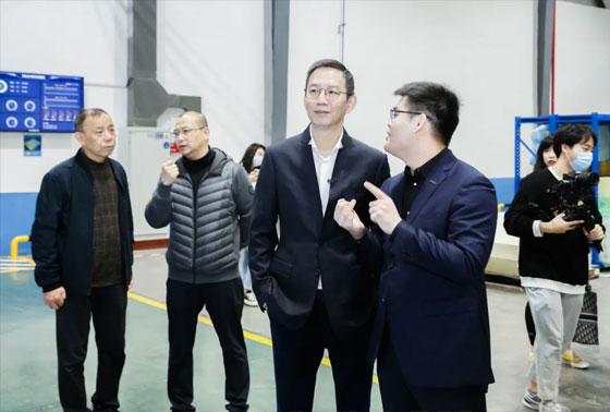 吴晓波参观365游戏大厅官网5G工厂